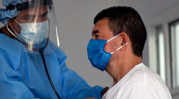 Guatemala: La situación de los médicos en el frente de batalla contra el covid-19