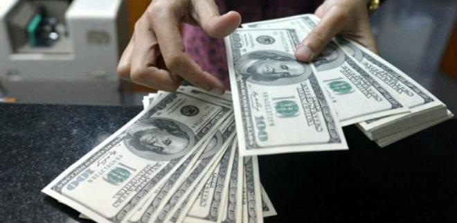 El dólar paralelo sigue en alza y se cotiza a Bs.229.332,33