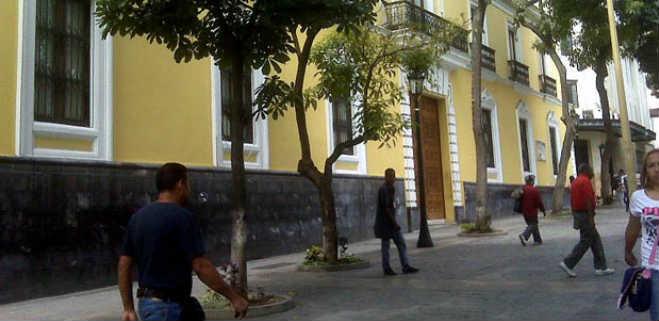 Denuncian «ingreso furtivo» de buque de EEUU en zona contigua venezolana