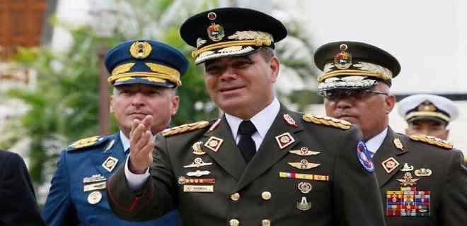 Padrino López ordenó despedir a más de 300 oficiales del Ejército Bolivariano