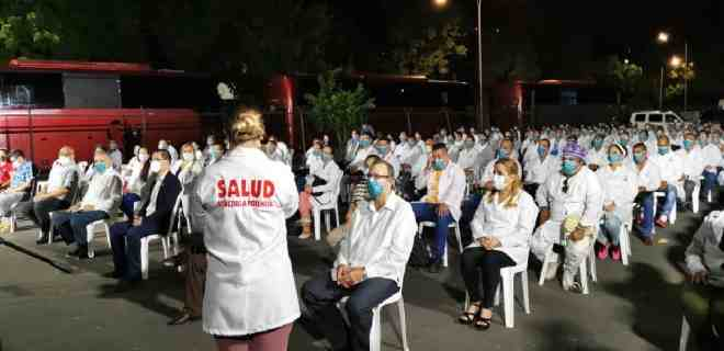 Gobierno anuncia ingreso a Venezuela de 230 médicos cubanos para el combate contra el coronavirus