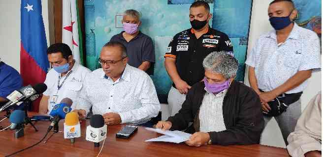 Alcalde Alcides Monsalve anunció acuerdo preliminar con transportistas de la ciudad