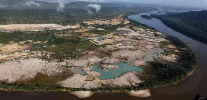 Denuncian el ecocidio que realiza el régimen de Maduro en el Arco Minero