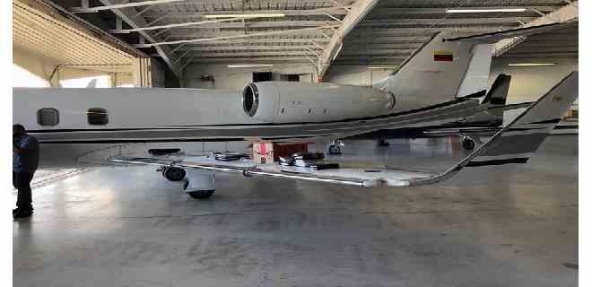 EEUU intercepta avión con arsenal de armas y arresta a dos venezolanos