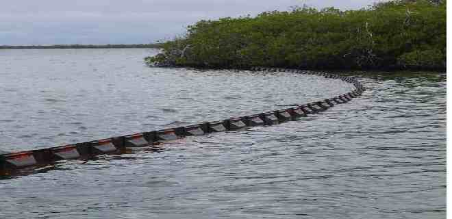 Colocaron barreras de contención en Morrocoy por derrame petrolero