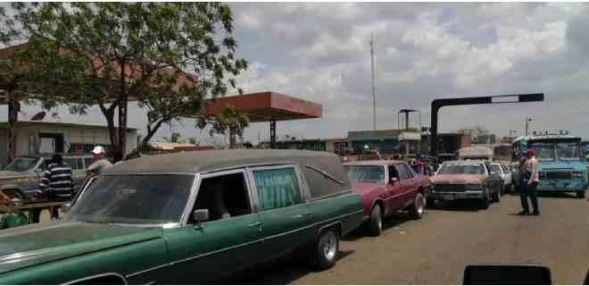 Funerarias solicitan prioridad para el abastecimiento de gasolina