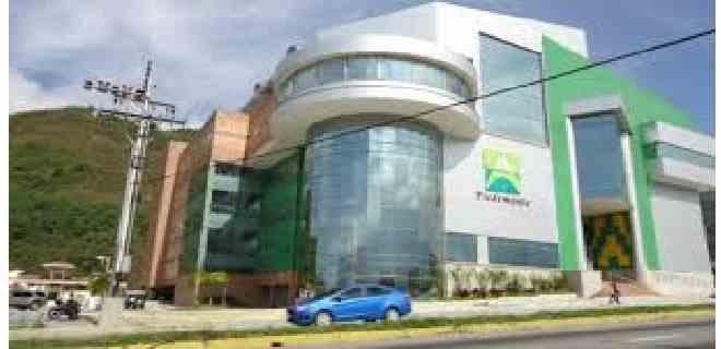 Centros comerciales a la espera de la flexibilización en todo el país