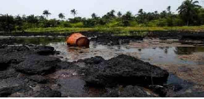 Denuncian derrame de petróleo en Anzoátegui