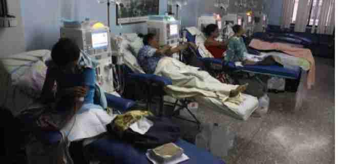 Alertan sobre riesgo de muerte de pacientes renales en Lara por paralización de unidades de diálisis