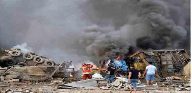 Continúa búsqueda de cuerpos en el puerto de Beirut