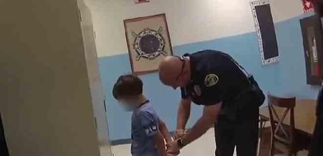 Indignación en EEUU por detención de un niño de 8 años con discapacidad