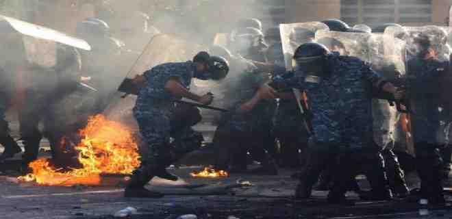 Protestas en Beirut dejan un policía muerto y 250 heridos