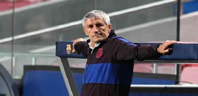 El Barcelona destituyó a Quique Setién como entrenador
