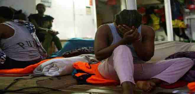 Al menos 50 migrantes murieron al naufragar en el Atlántico