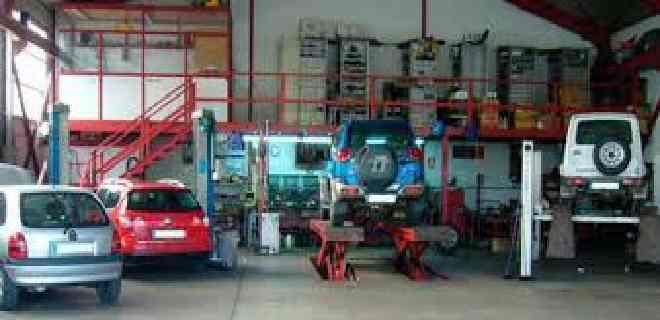 Talleres mecánicos plantean trabajo diario con horarios restringidos