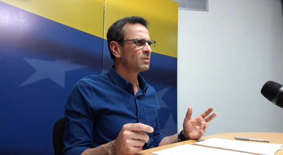 """Capriles invitó a participar en las parlamentarias: """"Si el régimen deja una rendijita, hay que meter el pie"""""""