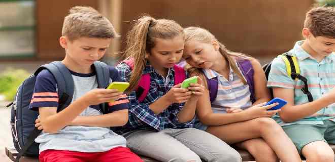 Adolescentes: estos son los mayores riesgos para su salud, según la OMS