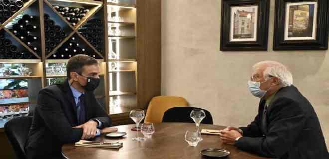 ABC: Borrell envía delegación a pactar con Maduro que aplace elecciones