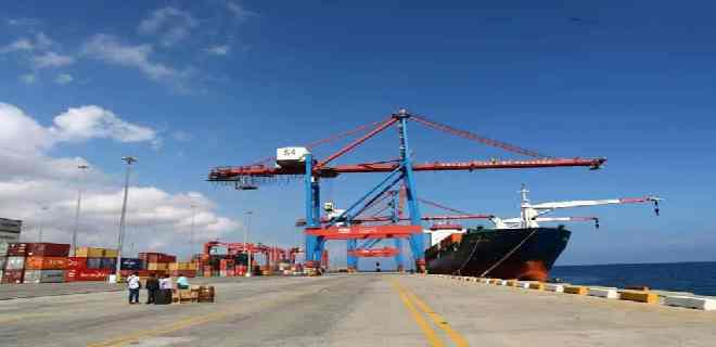 Advierten disminución de buques que arriban al puerto de La Guaira