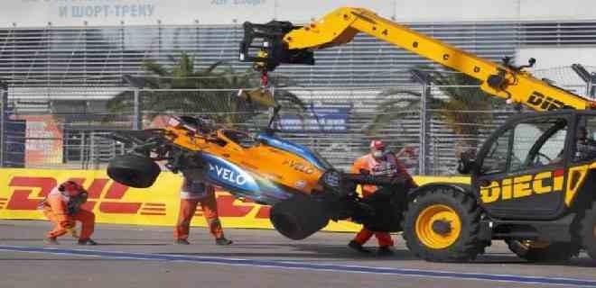 Carlos Sainz retirado en primera vuelta de Rusia por accidente
