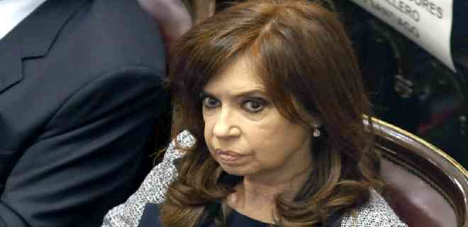 Remueven del cargo a 3 jueces que investigaban a Cristina Fernández