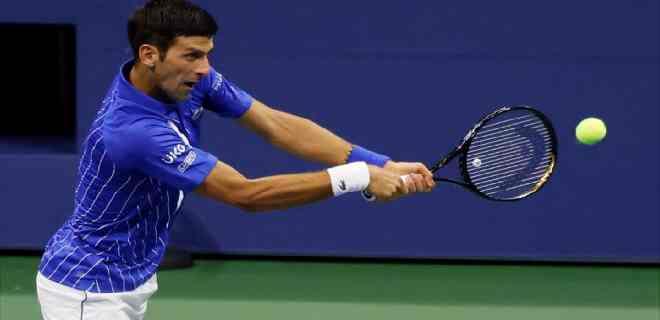 Djokovic gana a Dzumhur y jugará segunda ronda contra Edmund