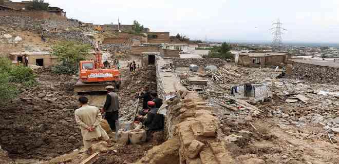 Suben a 190 los muertos por inundaciones en Afganistán