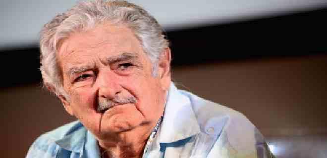Mujica confirma que pronto dejará su escaño de senador por edad y salud