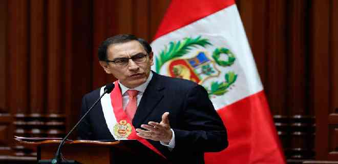 Constitucional de Perú evaluará paralizar destitución de Vizcarra