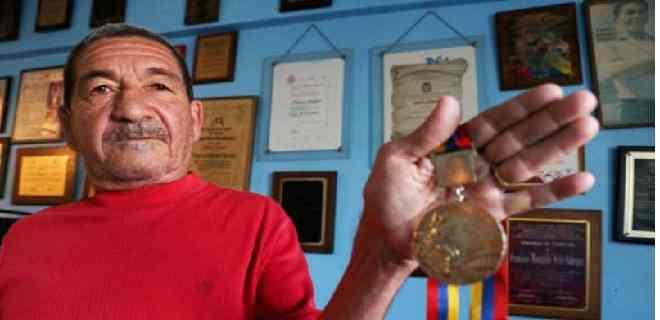 """""""Morochito"""" Rodríguez cumple 75 años evocando sus hazañas en el boxeo"""