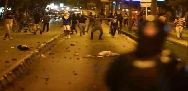 11 muertos, detenidos y actos de vandalismo en protestas de Colombia