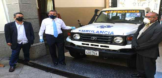 Ejecutivo regional entregó ambulancia para comunidad de Capurí