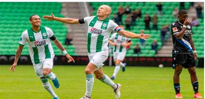 Robben marcó su primer gol como jugador del Groningen