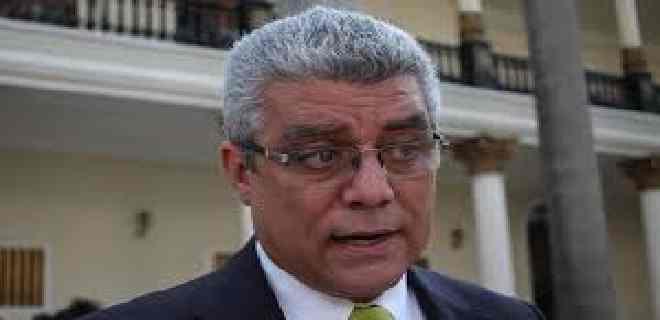 Marquina: Maduro con la Ley Antibloqueo busca usurpar funciones de la AN