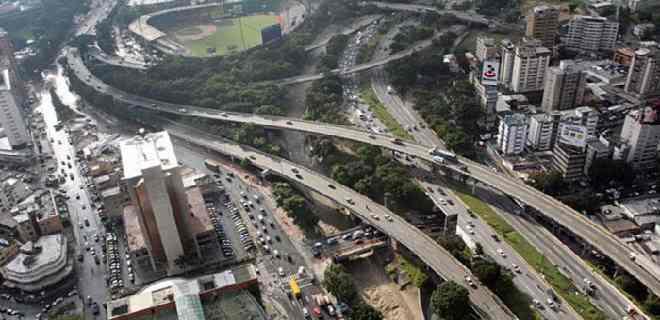 Maduro le cambió el nombre a la autopista Francisco Fajardo: se llamará Cacique Guaicaipuro