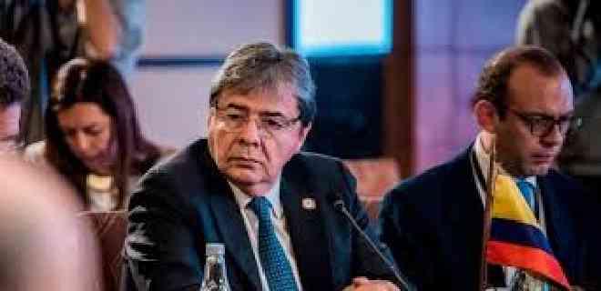 Cámara colombiana rechazó moción de censura contra ministro Holmes Trujillo