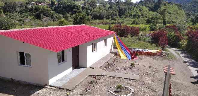 Casas dignas sigue otorgando el gobierno bolivariano en Mérida