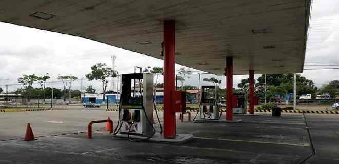 """El Aissami: """"Estación de servicio que esté cerrada será tomada y revocada su concesión"""""""