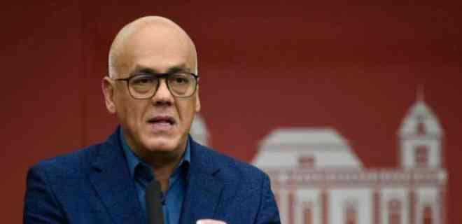 Bloomberg: Funcionario de Trump intentó negociar con Rodríguez la salida de Maduro