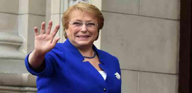 Bachelet está a favor que Chile tenga una nueva Constitución
