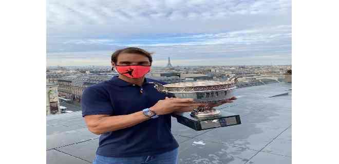 Nadal llegó a Mallorca con la Copa de los Mosqueteros