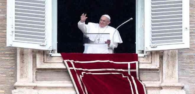 Papa dice que pagar impuestos es un «deber» ciudadano