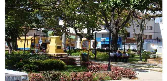 Con la participación de la comunidad se rehabilitó plaza Bolívar de La Parroquia