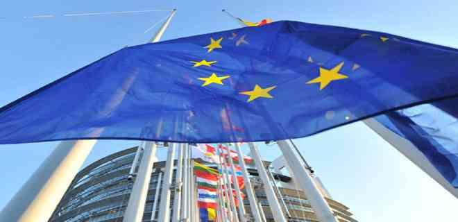 Empeoramiento de la pandemia amenaza con frenar de nuevo el ritmo en la UE